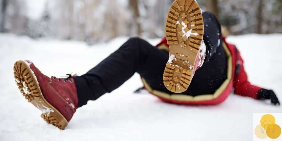 Premises liability, slip and fall, dangerous liability example of man slipped on snow