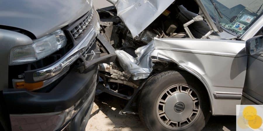 Car crash head on collision